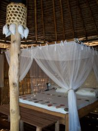 Stilt Bungalows : a cosy nest for honeymooners